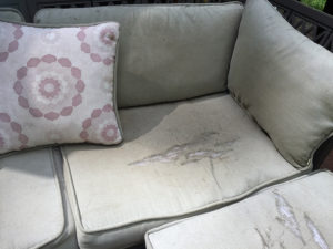 outdoor-cushion-easy-makeover-before-IMG_8507